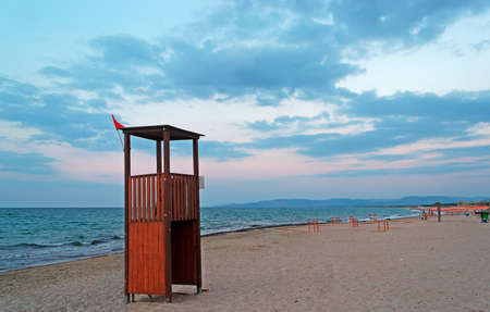 foreshore: lifeguard tower by Platamona foreshore at dusk