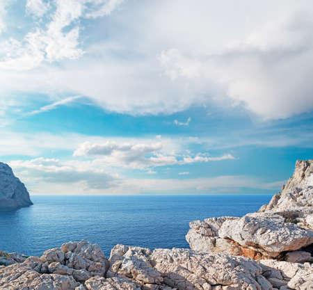 Capo Caccia coastline on a cloudy day Foto de archivo