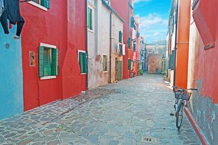 backstreet: visi�n de un callej�n en Burano Foto de archivo