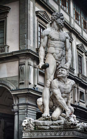 galley: Hercules and Cacus statue with Uffizi Galley in the background