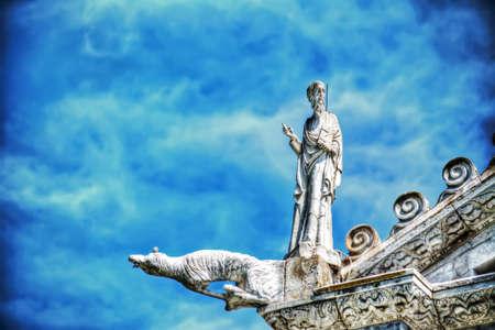 gargouille: gargouille sur la Piazza dei Miracoli, Pise