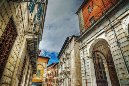 glimpse: glimpse of Pisa in hdr, Italy