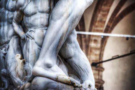 neptuno: detalle de Neptuno pies estatua en Florencia, Italia Foto de archivo