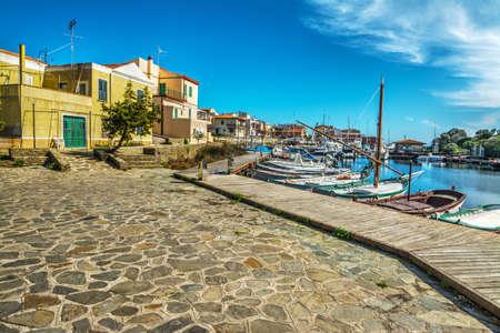 Small square in Stintino seafront, Sardinia Standard-Bild