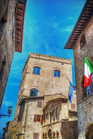 historic buildings: Historic buildings in San Gimignano, Italy