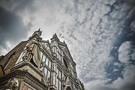 dante alighieri: XIX century Dante Alighieri statue with Santa Croce cathedral in the background