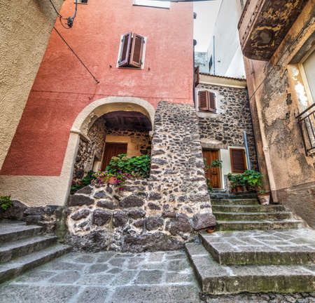 empedrado: casa rústica en Cerdeña, Italia
