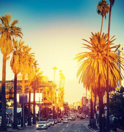 Farbenfroher Sonnenuntergang in Hollywood. Los Angeles, Kalifornien