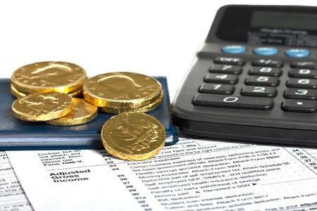 chequera: Declaración de impuestos, monedas, cheques y la calculadora