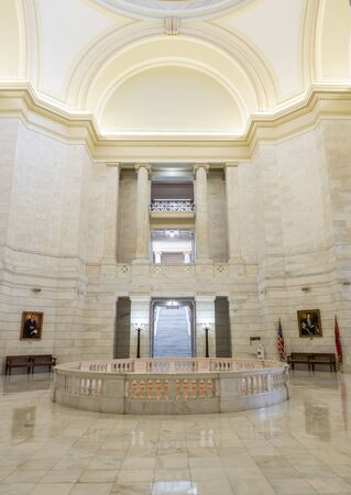 LITTLE ROCK, AK, UNITED STATES - May 30, 2018: View of the Arkansas Capitol rotunda showing arches and stonework Éditoriale