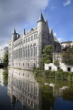 castello medievale: Vista del castello medievale di Bruges, in Belgio