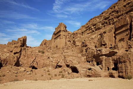 petra  jordan: Ruins of ancient buildings in Petra, Jordan Stock Photo