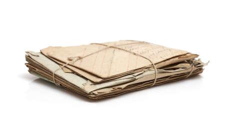 Stapel van oud papier (brieven, briefkaarten, enveloppen), selectieve aandacht Stockfoto