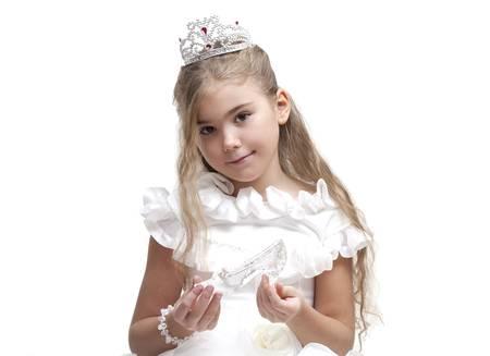 prince and princess: Beautiful young princess waiting for her prince