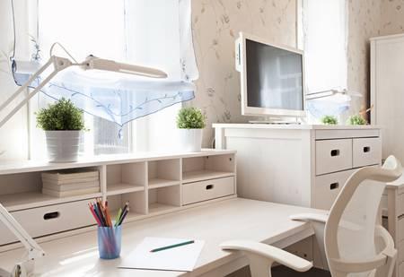 Modern interior of schoolroom in sunlight closeup Standard-Bild