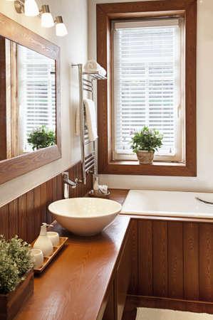 Foto van een hedendaags woonhuis badkamer Stockfoto