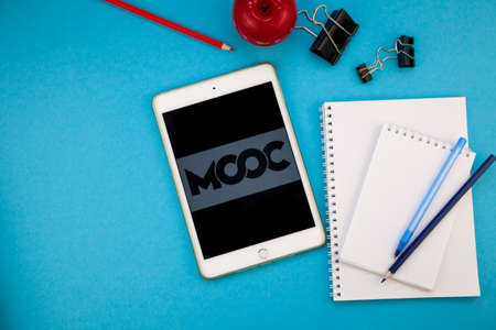MOOC is an online learning platform and teaching marketplace aimed at professional adults Editöryel