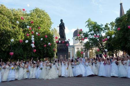 First Bride Parade ( May 29, 2009 in Odessa,Ukraine)