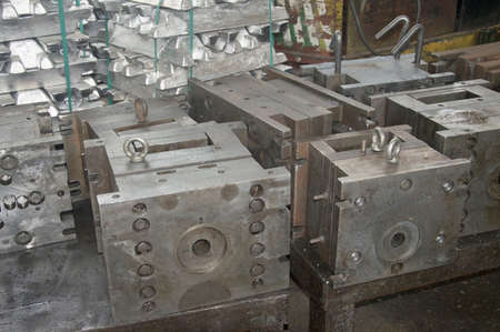 high precision aluminium part manufacturing by casting and machining Stok Fotoğraf