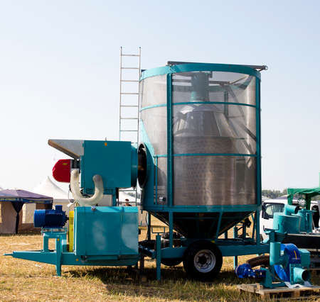 dryer: mobile grain dryer