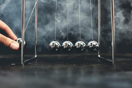 Newton Wiegependel kinetische Kugeln