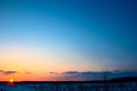 the sky clear: Hermosa puesta de sol roja