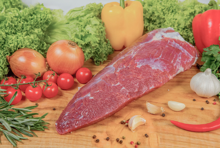 Juicy raw meat, beef entrecote on black background, top view, close up. Standard-Bild - 116868133