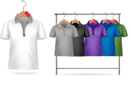 appendini: Bianco e nero, t-shirt modello di progettazione. Appendiabiti con camicie con cartellini dei prezzi. Illustrazione vettoriale.