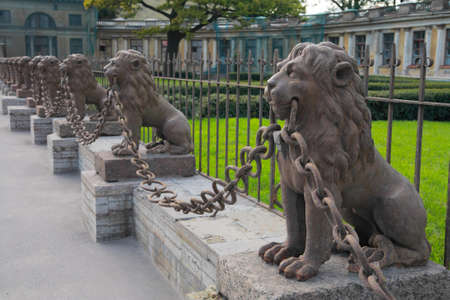 historic site: St. Petersburg, historic Site - sculptures of lions near Kushelev-Bezborodkos estate