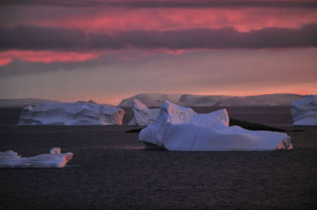 Drifting icebergs. Global warming. Climate change. Antarctica, Arctic. Greenland Banque d'images