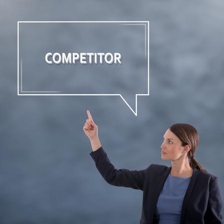競合他社のビジネスコンセプト。ビジネスウーマングラフィックコンセプト 写真素材