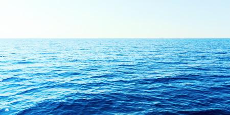 Blaues Meer und klarer Himmel. Karibisches Meer.