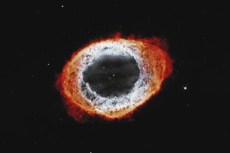 Ring Nebula, Messier 57 .