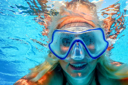 Woman Snorkeling With Maskin Clear Water,Water Sports, Swimming Pool, Outdoor Adventure, Swimming, Summer Vacations Standard-Bild