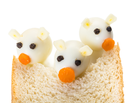 Three Little Pigs from quail eggs and a slice of bread