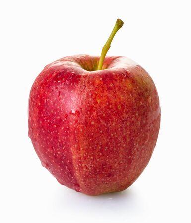 manzana roja fresca sobre fondo blanco aislado