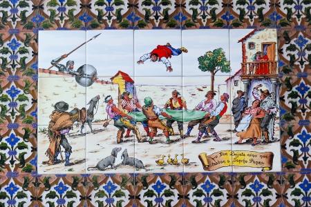 don quichotte: TOLEDO, Espagne - 26 septembre Don Quichotte et Sancho Panza sur une pi�ce espagnole de fa�ence, le 26 Septembre 2013, � Tol�de, Espagne �ditoriale