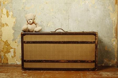 vintage teddy bears: Valigia con Teddy  Archivio Fotografico