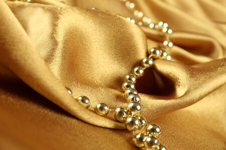 tissu or: Contexte de drap d'or sur laquelle �taient les perles dor�es