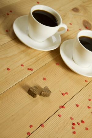 petit dejeuner romantique: Deux tasses de caf�