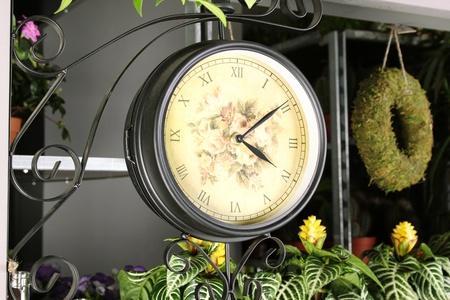 Interior hours photo