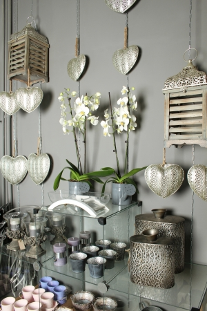 Store shelves a different product  Decorative, interior objects Standard-Bild