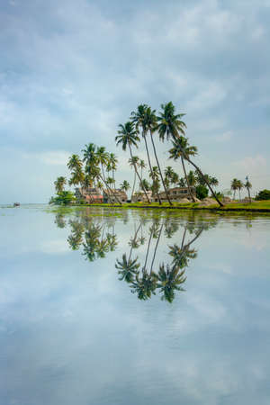 The open waterways of the Kerala Backwaters and Ashtamudi Lake Stok Fotoğraf - 33599568