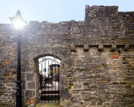 Ramparts and battlements on the last surviving old town medieval defensive wall in Poole, Dorset Stok Fotoğraf - 119118539