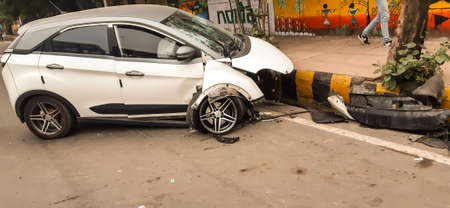 A picture of accidental car on road