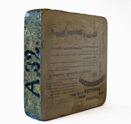 gravure: Una pietra litografica, per l'impiego nel settore della stampa in tempi antichi.