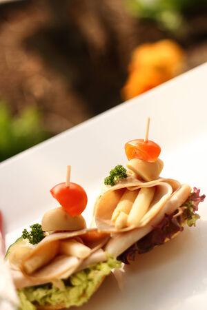 mit: Fingerfood Catering finished breads -  Belegte Brote mit schinken