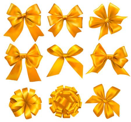 ruban or: Grand ensemble de arcs-cadeaux avec des rubans jaunes. Vecteur.