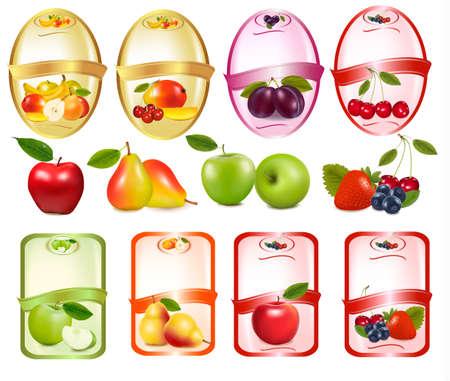 fruit drink: Set di etichette con bacche e frutta. Illustrazione vettoriale.