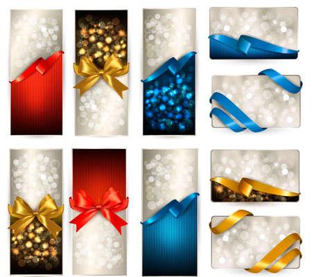 invitacion fiesta: Conjunto de tarjetas de regalo hermoso con arcos de regalo con cintas de colores.